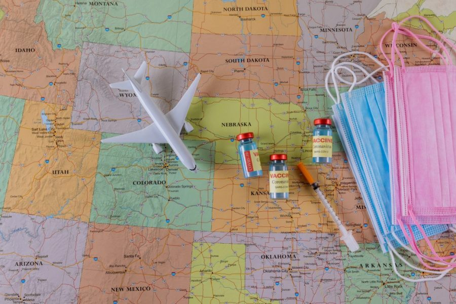 Which states are vaccinating foreigners in the USA