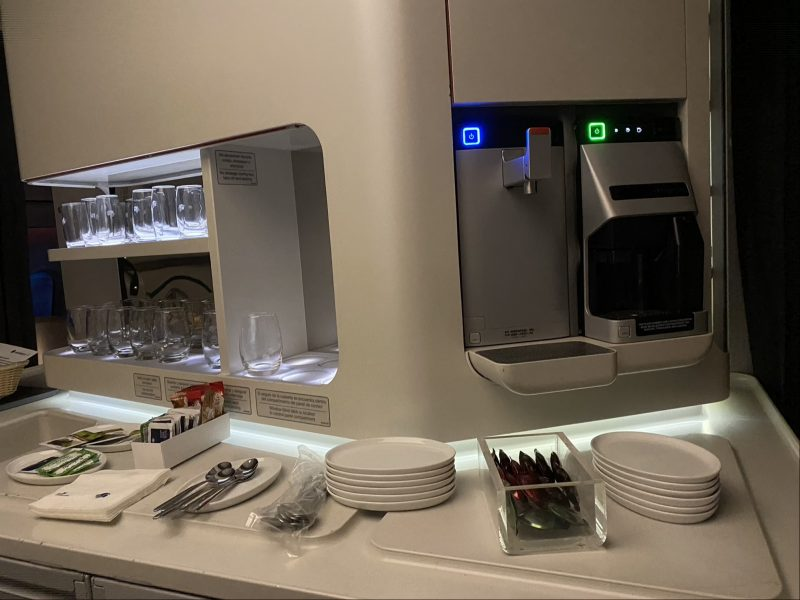 Photo of the coffee lounge in the galley on Aeromexico's 787-9