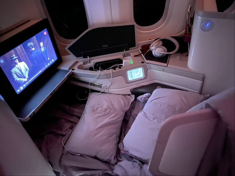 Photo of Aeromexico787-9 emphasizing the screen to give readers and idea of the size