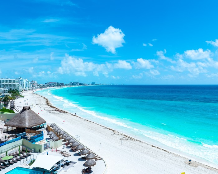 aerial-view-of-the-beautiful-turquoise-beach_bahamas