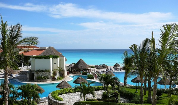 luxury hotel at the beach, Cancun, Mexico